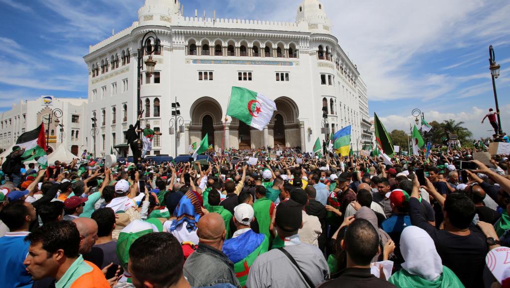 2019-05-17t171457z_886718662_rc1a3da57c70_rtrmadp_3_algeria-protests_0.jpg